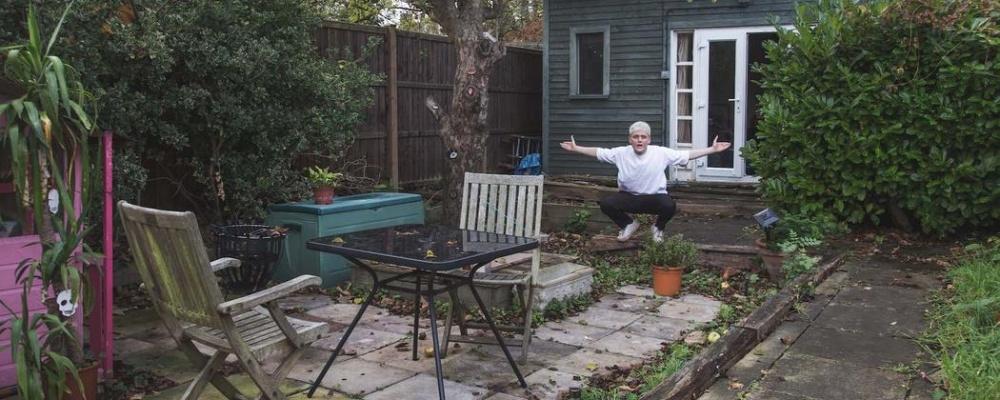 A karszalag. London 20 típusú rugalmas, lengőpadlós.