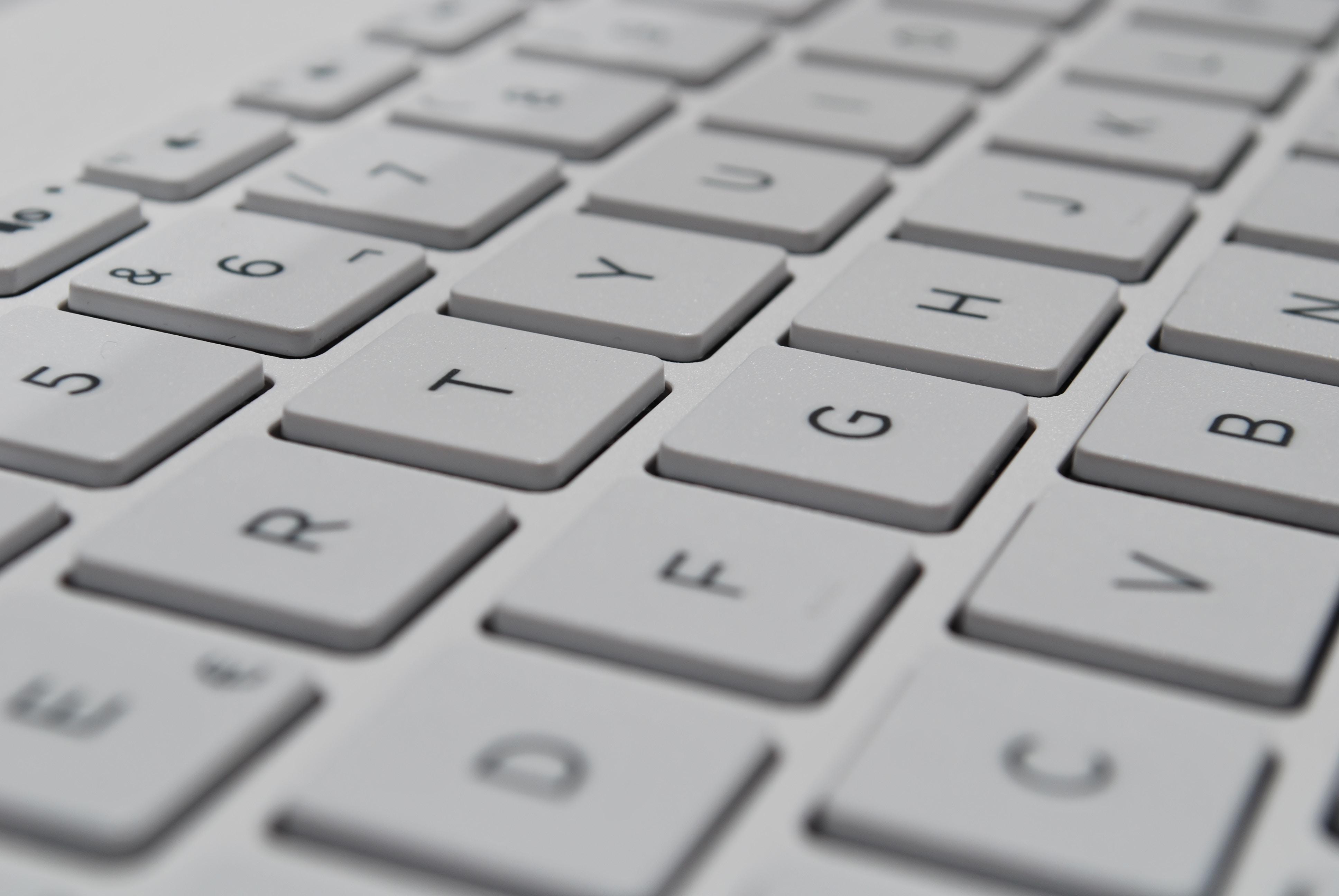 keyboard billentyűzet koszos baktérium bacteria clean